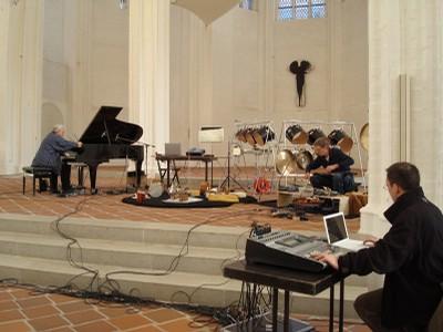 Improvisationstrio mit Michael Ranta-Perkussion & Reso Kiknadse-Live Elektronik